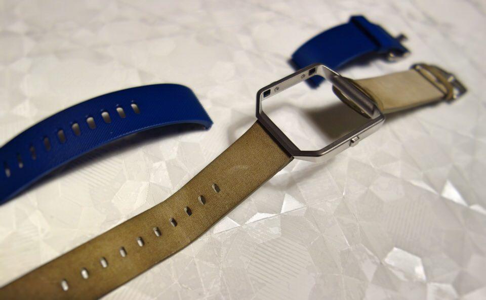 Fitbit BlazeにPebble Timeのバンドを付け替える