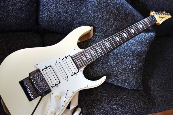 IBANEZ universe 7弦ギター