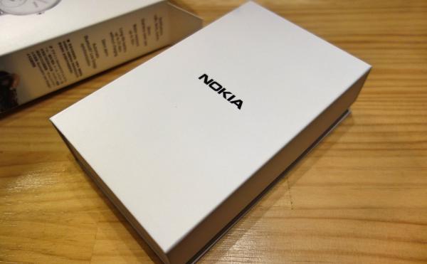 Nokia スマートウォッチ Steel HR